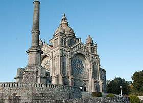 Viana do Castelo, Portugal-1 (8610169337) (cropped).jpg