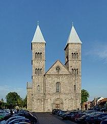 Viborg Cathedral June 2012.jpg