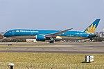Vietnam Airlines (VN-A863) Boeing 787-9 Dreamliner at Sydney Airport (2).jpg