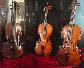 Antonio Mariani - Violin from Antonio Mariani from 1670 (left)