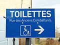 Viriat-FR-01-vers les WC publics-1.jpg