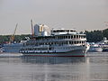 Volga Drim on Khimky Кeservoir 26-jul-2012 04.jpg