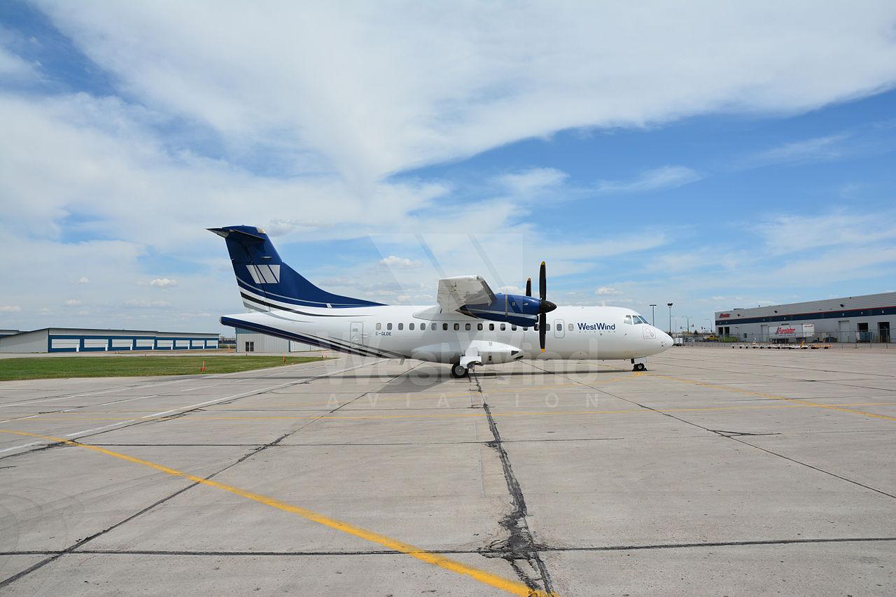 WWA ATR42 C-GLDE.jpg