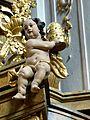 Waidhofen Thaya Pfarrkirche - Kanzel 4 Schalldeckel Putto mit Tiara.jpg