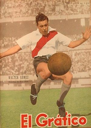 Walter Gómez - Gómez playing for River Plate in 1950.
