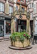 Well on place des Dominicains in Colmar 02.jpg