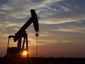 English: Pumpjack located south of Midland, TX