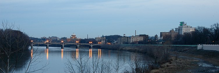 The Susquehanna River and the Wilkes-Barre skyline; the courthouse is in the background Wilkes-Barre with Susquehanna River.jpg