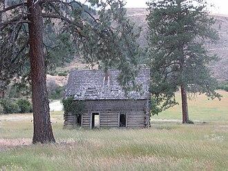 Winthrop, Washington - Abandoned log cabin near Winthrop