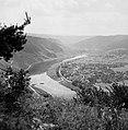Wolf aan de Moezel gezien vanaf de heuvels boven Kröv, Bestanddeelnr 254-3929.jpg