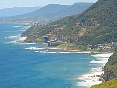 Wollongong sea cliff bridge.jpg