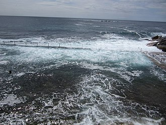 Wylie's Baths - Wylie's Baths, pictured in 2006, looking out to the Tasman Sea