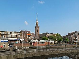Zaandam - Image: Zaandam, kerk 1 in straatzicht foto 1 2011 04 17 16.02
