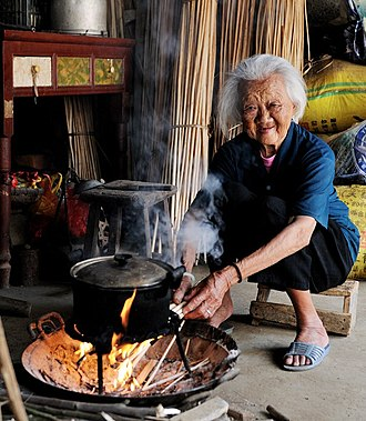 Fusui County - Zhuang's old woman (102 years old ) in Fusui