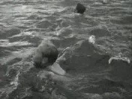 Bestand:Zwemproeven voor kinderen-515194.ogv