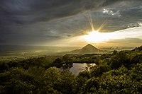 Вид на монастыское озеро возле горы Бештау и на гору Шелудивую.jpg