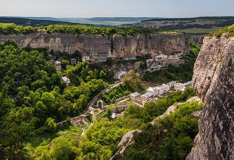 Комплекс Успенського печерного монастиря (АР Крим, Бахчисарай). Автор фото — Moahim, ліцензія CC-BY-SA-4.0