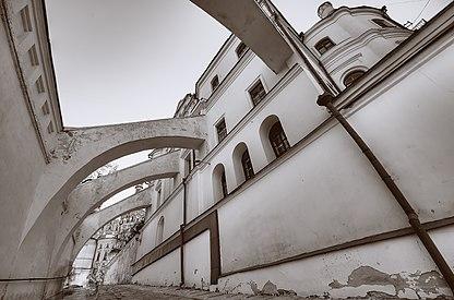 Контрфорс (підпірна стіна), Києво Печерська Лавра, Київ, Україна.jpg