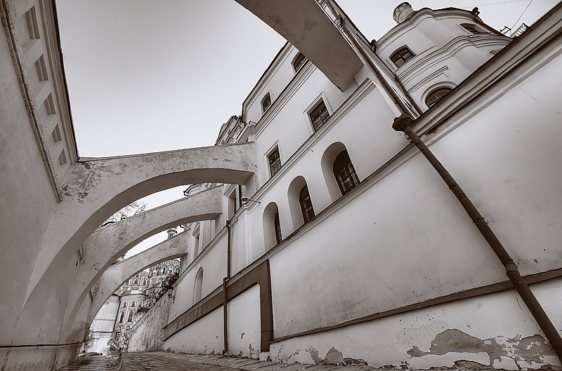 Контрфорс (підпірна стіна), Києво Печерська Лавра