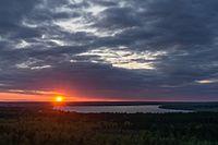 Озеро Красное на закате.jpg