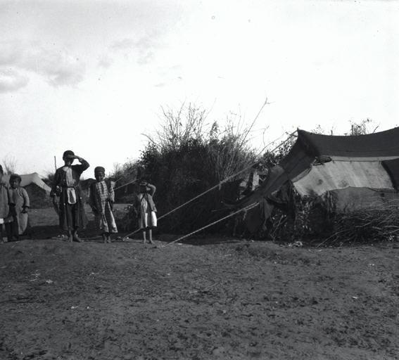 בקרבת זרנוגה - מחנה בדואים-JNF040453.jpeg