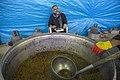 احمد ناطقی از عکاسان بنام ایران در آشپزخانه مرکزی مهران در حال مستند نگاری 07.jpg