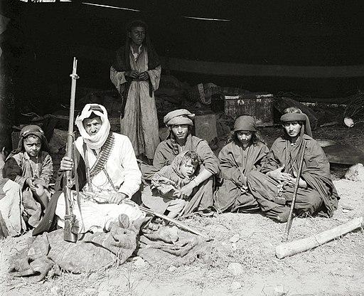عائلة بدو فلسطينية أثناء حضور فرح