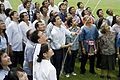 นายกฯ บันทึกเทป ไทยเข้มแข็ง ณ ทำเนียบรัฐบาล 16สิงหาคม2552 (The Official Site of The - Flickr - Abhisit Vejjajiva (11).jpg