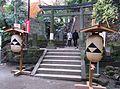 円覚寺弁天堂入口.JPG