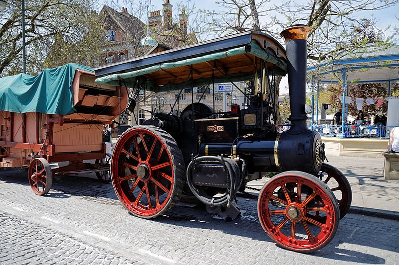 File:08.05.2016 Charles Burrell & Sons End2End traction engine Horsham West Sussex England.jpg