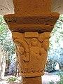 084 Monestir de Sant Benet de Bages, capitell del claustre, galeria oest.jpg