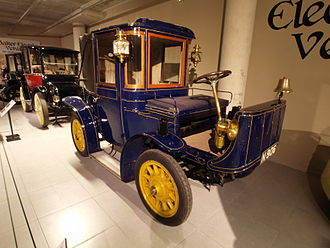 Brougham (car body) - 1905 Hedag Electric Brougham, similar in style to a brougham carriage