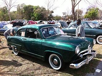 Henry J - 1951 Kaiser Henry J