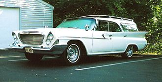 Chrysler Town & Country (1941–1988) - 1961 Chrysler Newport Town and Country
