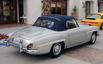 Mercedes-Benz 190 SL - 1962 Mercedes-Benz 190 SL fitted with softtop