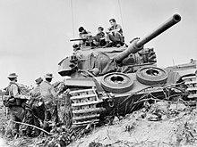 [Obrazek: 220px-1_RAR_soldiers_speak_with_the_crew...y_1968.jpg]