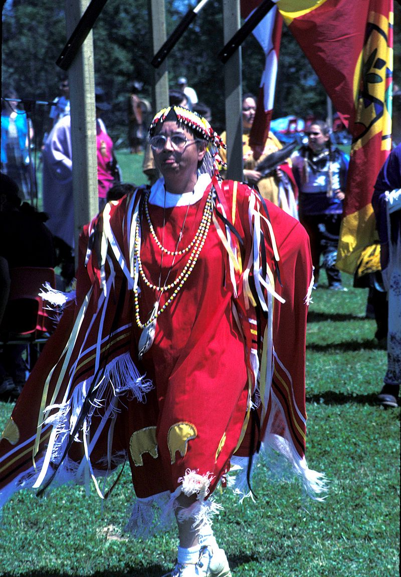 2000 Eel Ground Pow-wow Dancer.jpg