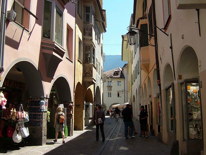 File:2008 0707 30320 Meran Altstadt D0090.jpg