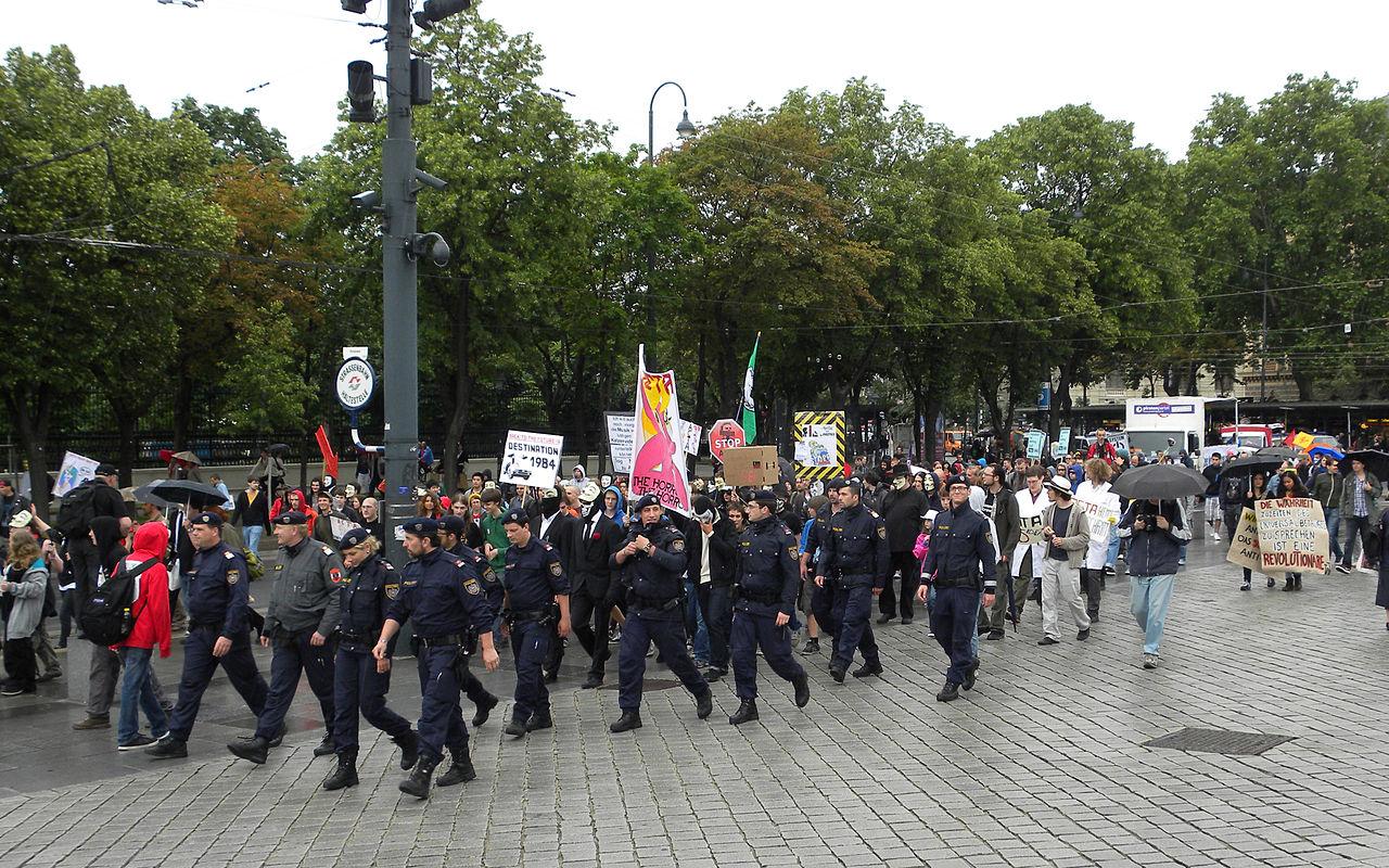 Demo Wien Photo: File:2012-06-09