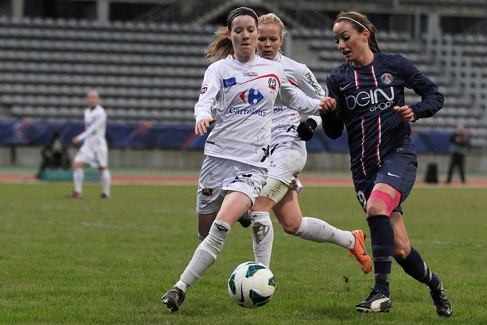 20121209 PSG-Juvisy - Kosovare Asllani 02