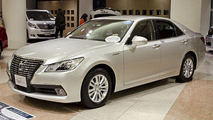 Toyota Crown - Image: 2012 Toyota Crown Royal 01
