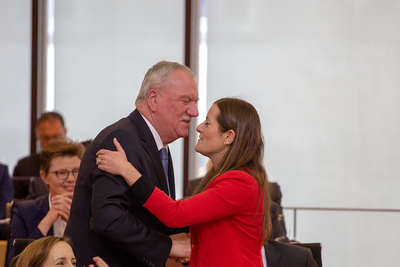 2019-01-18 Konstituierende Sitzung Hessischer Landtag LINKE Wissler 3798.jpg