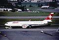 297bi - Swiss Airbus A330-223, HB-IQA@ZRH,29.05.2004 - Flickr - Aero Icarus.jpg