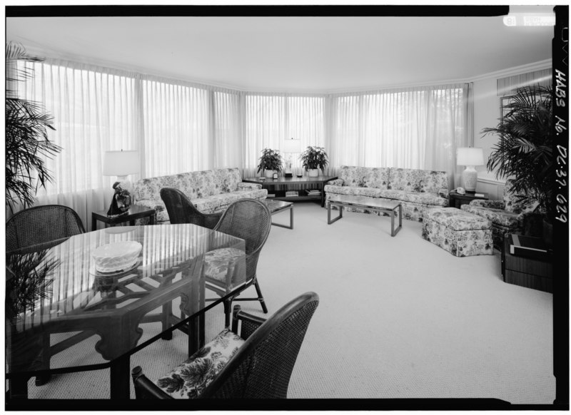 File:325 Solarium; View looking SW - White House, 1600 Pennsylvania Avenue, Northwest, Washington, District of Columbia, DC HABS DC,WASH,134-629.tif