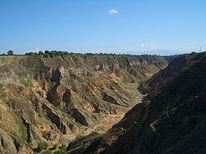 5902-Linxia-County-Xihe-township-canyon.jpg