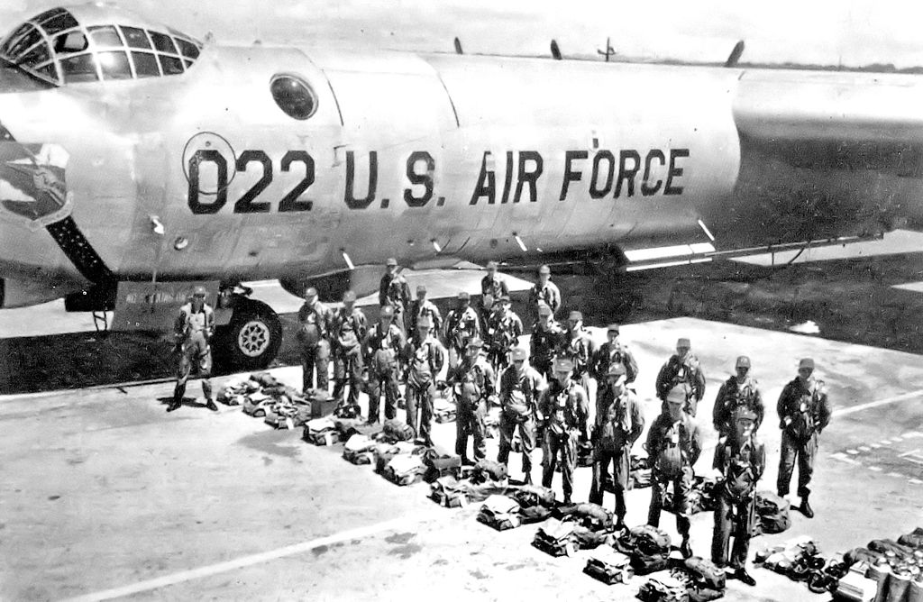 File:72d Strategic Reconnaissance Wing personnel with RB-36 ...