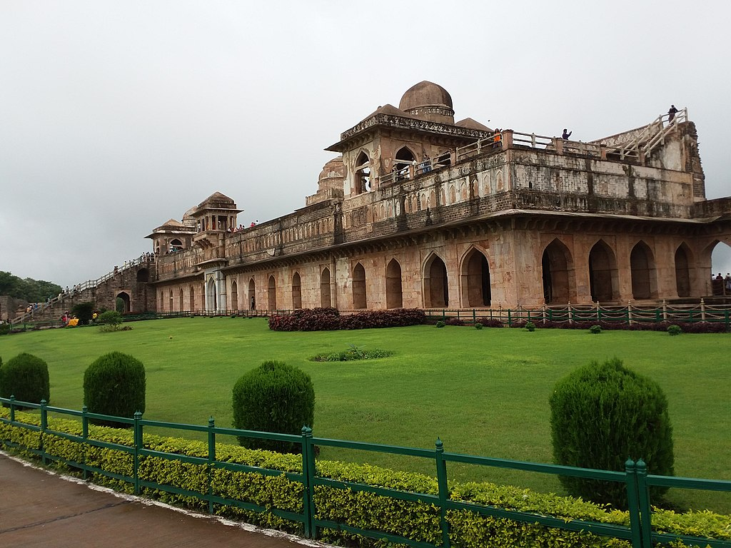 A beautiful Jahaz Mahal.jpg