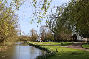 Fyfield, Essex - Image: A millpond on the River Roding at Fyfield, Essex, England 02