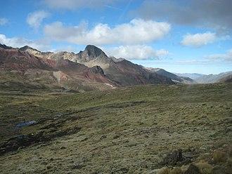Anticona - Ridge leading to the top of Anticona