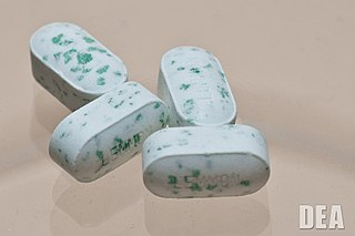 prescription adipex pills, white with blue green specks